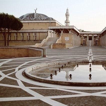 Най-голямата джамия в Европа